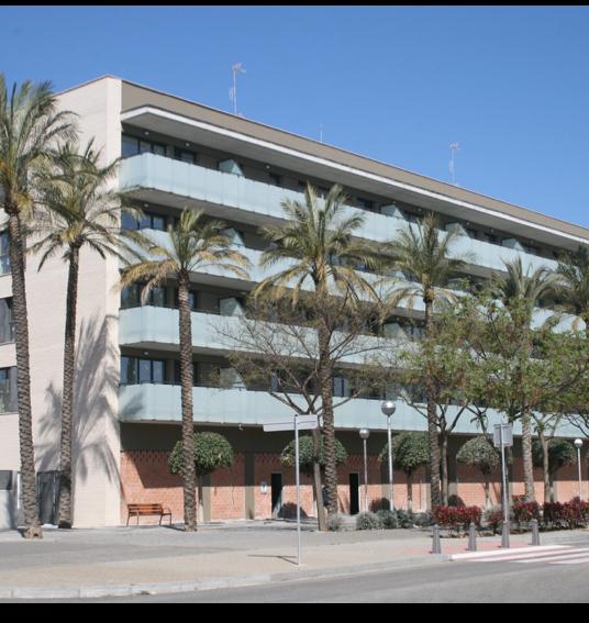 Edificio de 24 viviendas, locales y aparcamiento