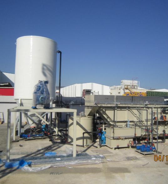 Plantas de tratamiento de aguas residuales industriales para dos centrales de proceso de fruta