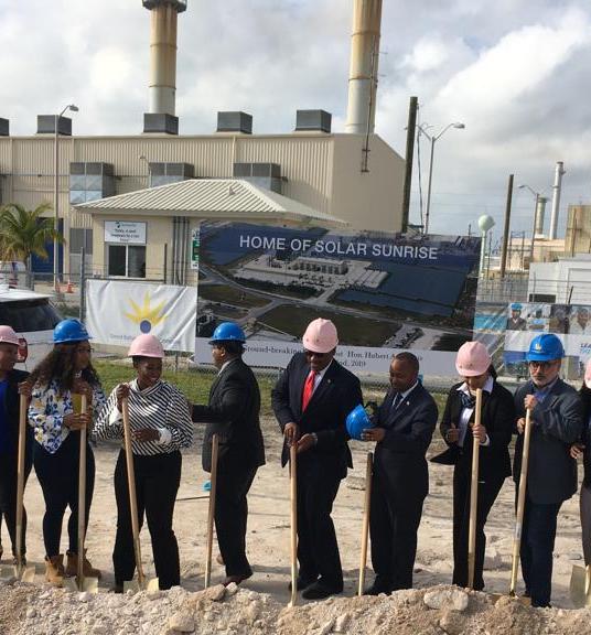 Firma de un nuevo contrato de 4 MW con Emera Inc. en <b>Gran Bahama</b>
