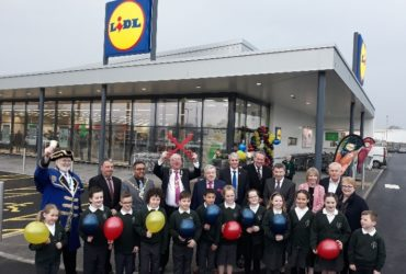 First store with architectural building panels for Lidl en <b>UK</b>